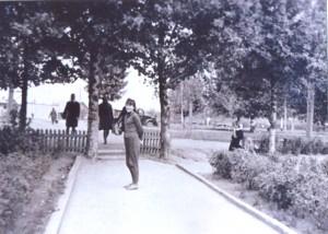 15 Mokyklos kieme 1965