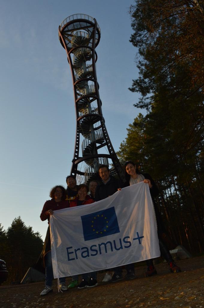 Erazmus+ vėliava lydėjo mus visoje kelionėje.